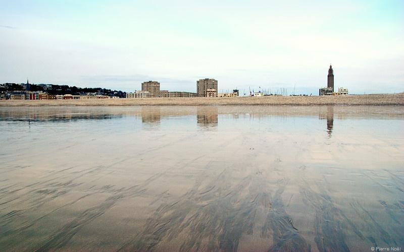 Le Havre - La plage à la ville