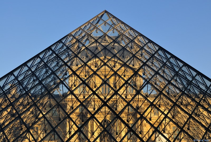 Paris pyramide du louvre pnl photographies - Date construction du louvre ...