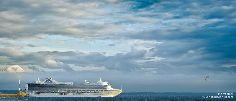 Le Havre - Départ sous les nuages