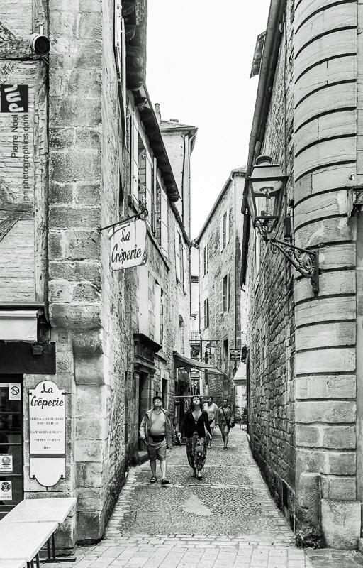 Dordogne - Sarlat-la-Canéda, têtes en l'air