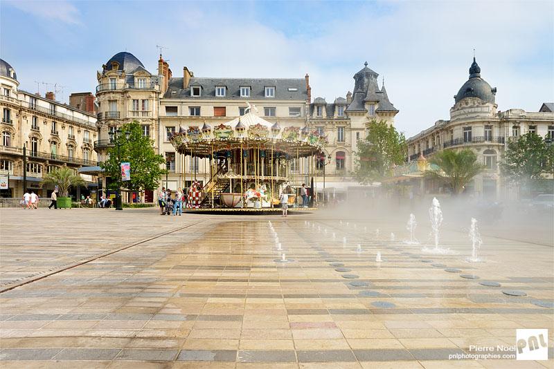 Région Centre – Orléans : Place du Martroi